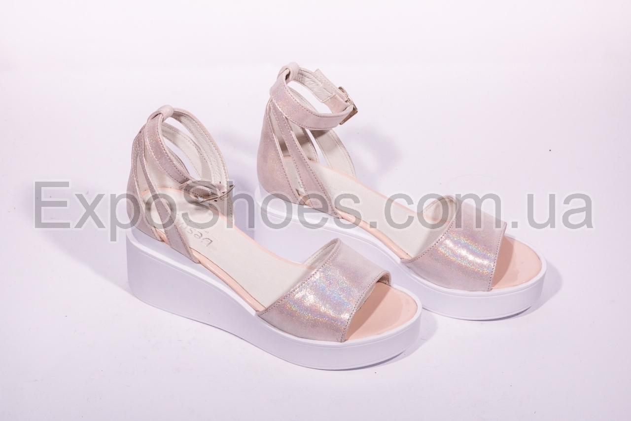9c1f00326 Производитель обуви DESTRA - Женская и мужская коллекции кожаной обуви для  опта.